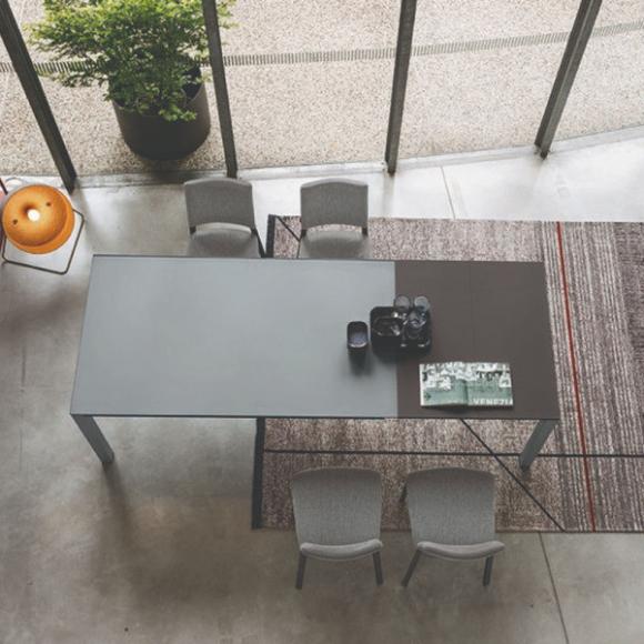 Space étkezőasztal több színben